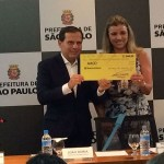 Doria faz doação do 1º salário como prefeito a entidade que trata crianças com deficiência