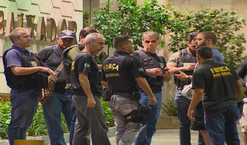 Policial da Força Nacional tem arma roubada em assalto em Porto Alegre