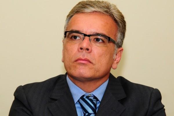 Secretário classifica movimento de parentes de PMs do Espírito Santo como 'palhaçada'