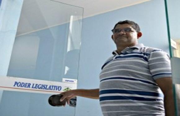 Vereador tem casa invadida e roubada por assaltantes em Guajará-Mirim, RO