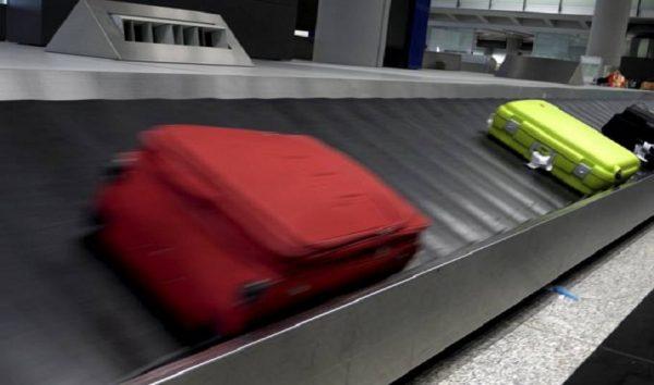 Cobrança extra para despachar bagagem entrou em vigor nesta terça-feira