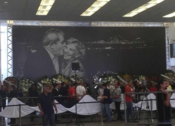 Veja AO VIVO o velório da ex-primeira dama Marisa Letícia