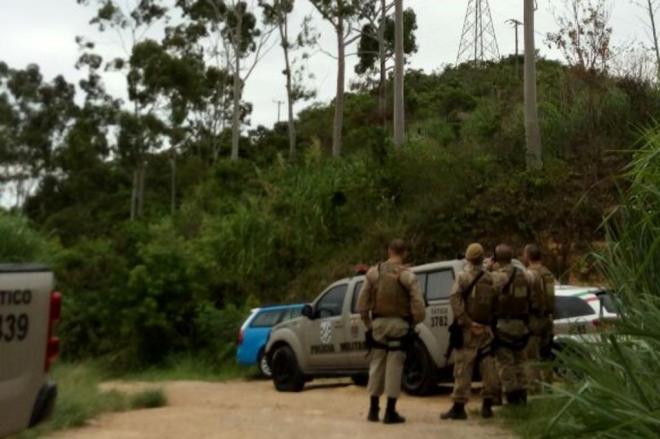 Corpo é encontrado aos pedaços e carbonizado em Florianópolis