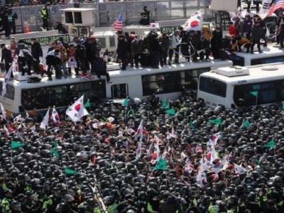 Protestos após cassação da presidente sul-coreana deixam 2 mortos