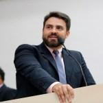 Léo Moraes ressalta extinção da cobrança de bandeira vermelha em Rondônia