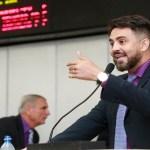 Léo Moraes anuncia aprovação da Justiça proibindo bandeiras tarifárias em contas de luz