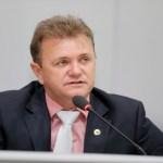 Luizinho Goebel pede encascalhamento e ponte ao DER