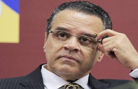 PF abre novos inquéritos contra três ex-ministros e dois deputados