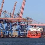 Tráfico internacional avança com uso de contêineres e Brasil pede ajuda à ONU