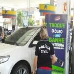 Gerentes de postos de gasolina são presos por enganar clientes no RS