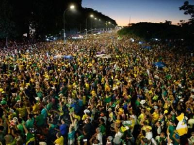 Brasileiros se preparam para voltar às ruas contra corrupção