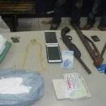 PM prende três pessoas com drogas e arma de fogo na BR-364