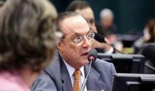 Políticos ausentes na lista de Fachin temem novas fases da Lava Jato