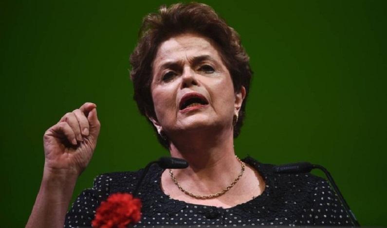 'Golpe' deixou País nas mãos do único presidente denunciado por corrupção, diz Dilma