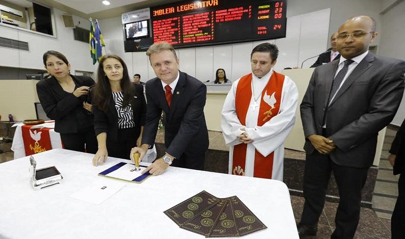 Deputado Luizinho Goebel homenageia os 500 anos da Reforma Luterana