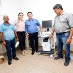 Em Rio Crespo, Maurão faz a entrega de aparelho de ultrassonografia