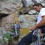 Instrutor de rapel paraibano morre durante escalada em pedra no RN