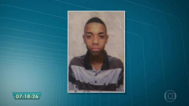Vitor Costa Ferreira, de 18 anos, tinha apenas dois meses de Exército (Foto: Reprodução/TVGlobo)