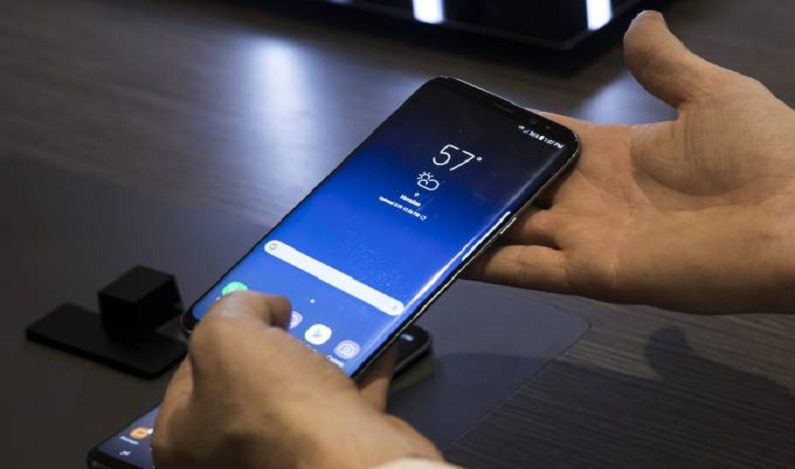 Funcionário rouba quase 9 mil smartphones da Samsung para pagar dívida