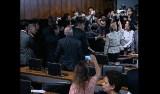 Sessão da reforma trabalhista é suspensa após bate-boca entre senadores