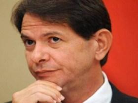 Cid Gomes anuncia candidatura para o Senado