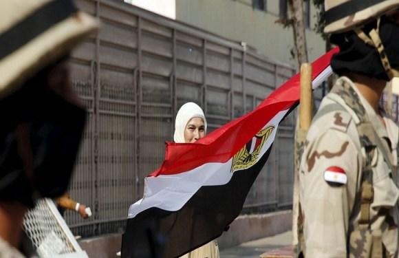 Egito ataca bases na Líbia após atentado contra cristãos