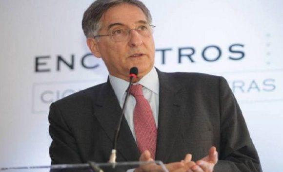Assembleia suspende tramitação de impeachment de Fernando Pimentel