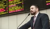 Léo Moraes repudia aumento de taxas no transporte coletivo da capital