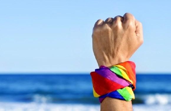 Travestis e transexuais já podem pedir uso de nome social no Enem
