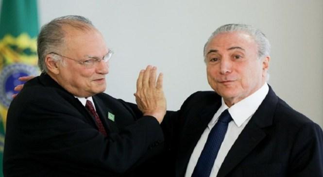 Exoneração de Roberto Freire (PPS) é publicada no Diário Oficial