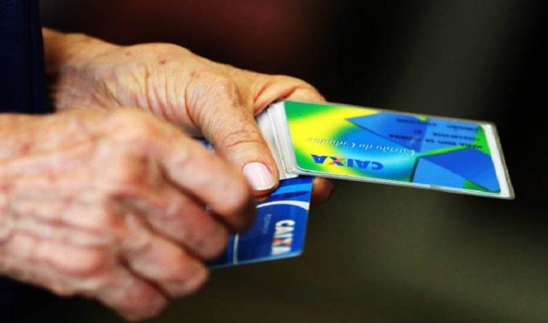 Inadimplência do consumidor brasileiro caiu 3,5% em 2017