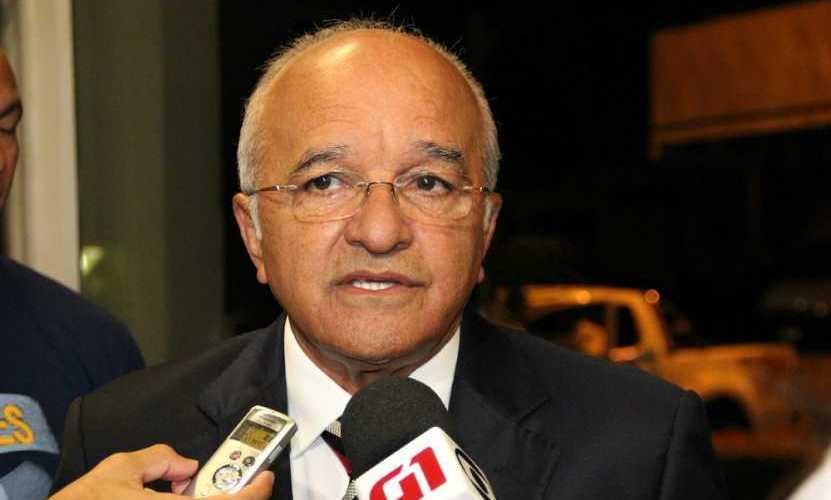 TCE-AM aprova contas de 2016 do ex-governador José Melo
