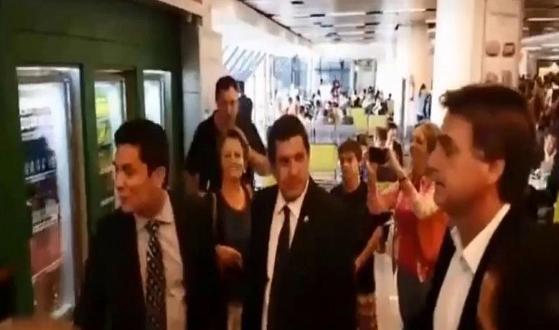 Moro confirma que ligou para Bolsonaro após encontro rápido em aeroporto