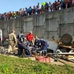 Caminhonete atropela adolescente e cai da ponte do Rio Madeira, em Porto Velho