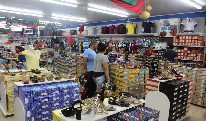 Confiança do empresário do comércio cresce 10,2% em relação a 2016, diz CNC