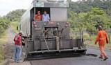 Deputado visita obras de recapeamento solicitadas junto ao governo