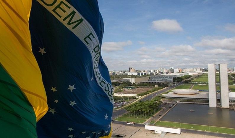 O que muda nas eleições de 2018 com a reforma política sancionada por Temer