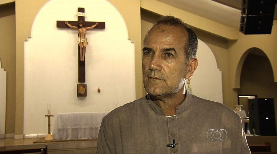 """Padre vai ter que devolver R$ 1,3 milhão por ter sido """"fantasma"""" na Assembleia"""
