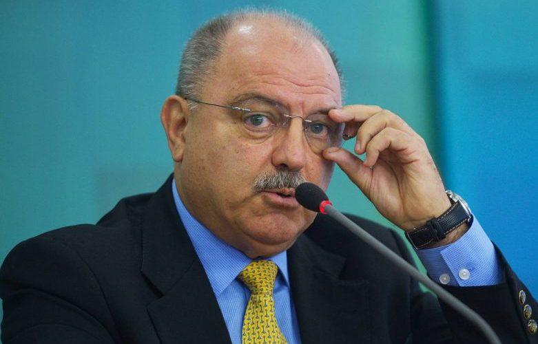 Governo brasileiro entrega identidade de espião da CIA