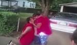 Algemado, homem pede a namorada em casamento enquanto é levado preso