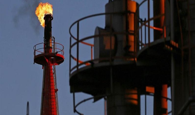 Indústria do petróleo começa a sentir o impacto dos veículos elétricos