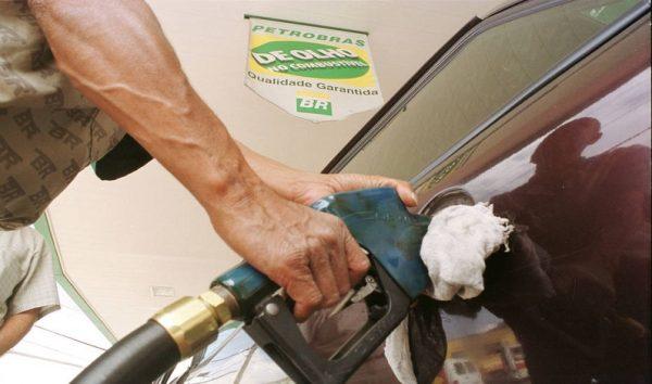 Governo deve arrecadar R$ 11 bi com alta de imposto sobre gasolina e diesel
