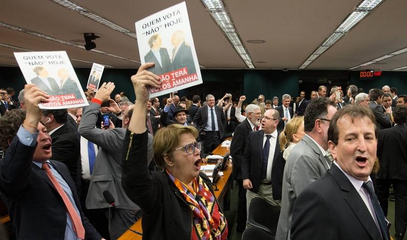 Temer fabrica vitória na CCJ, mas votação decisiva na Câmara fica para agosto