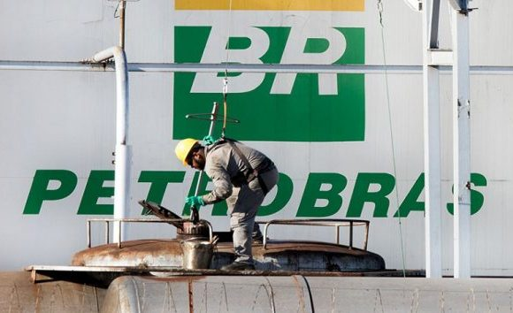 Petrobrás pode perder R$ 15 bi com ação trabalhista