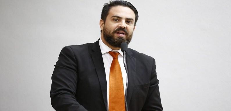 Léo Moraes se pronuncia e diz que é contra aumento da passagem de ônibus