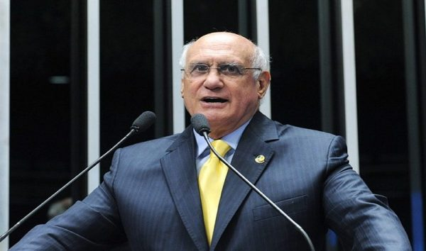 Projeto permite que parlamentar assuma o Executivo sem perder o direito a se candidatar