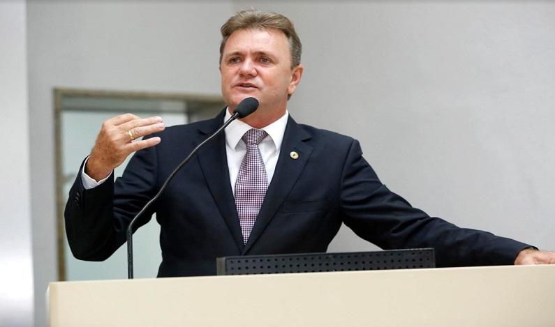Deputado Luizinho Goebel entrega Voto de Louvor ao Samu