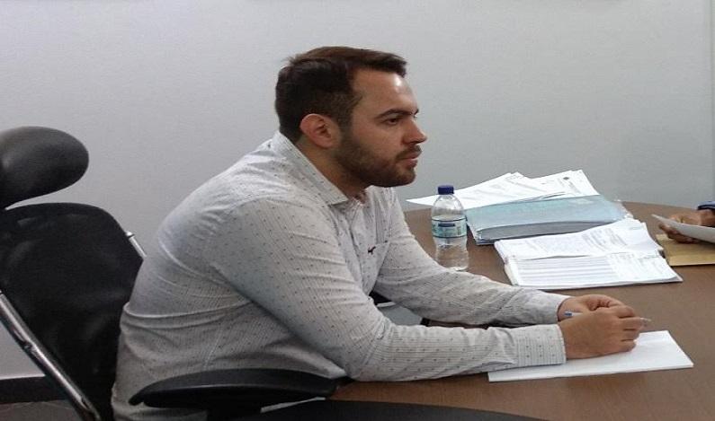 Márcio Oliveira solicita transferência do local do ponto final do ônibus no bairro Aeroclube