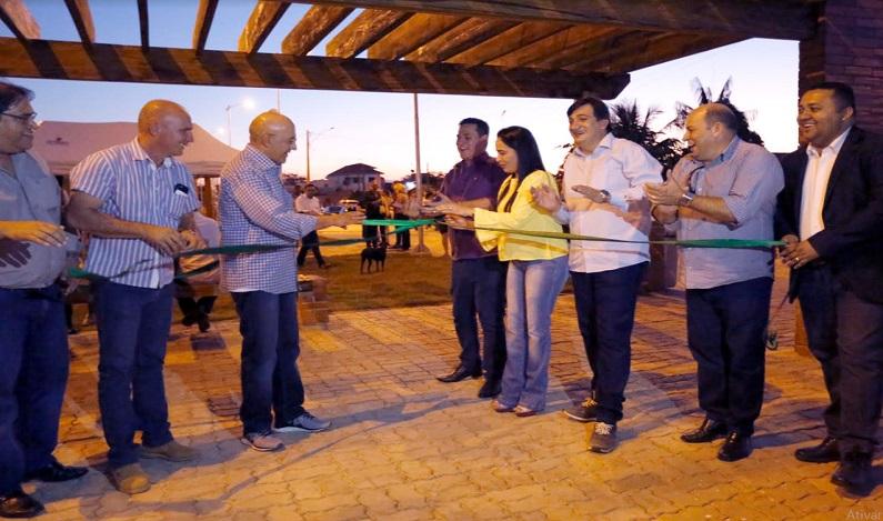 Maurão de Carvalho prestigia inauguração da Praça do Povo, em Pimenta Bueno