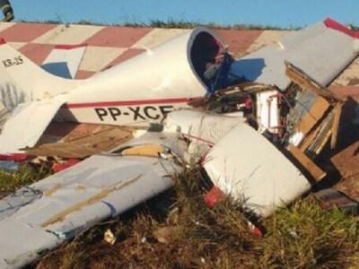 Piloto de 72 anos sobrevive à queda de avião, em Minas Gerais; veja o vídeo